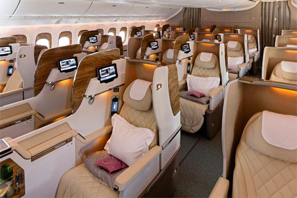 Boeing, Emirates commit to 40 787-10 Dreamliners